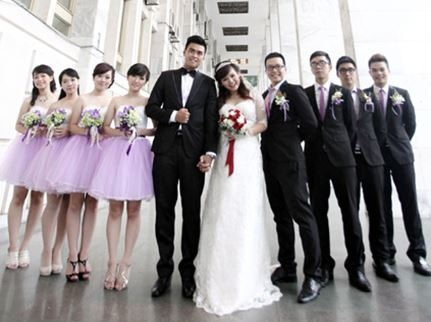 Phù dâu phù rể trong đám cưới
