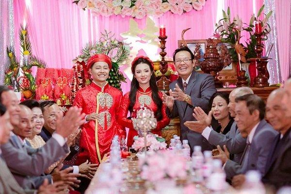 Đám cưới không thể thiếu những lời khuyên thiết thực của bậc cha chú