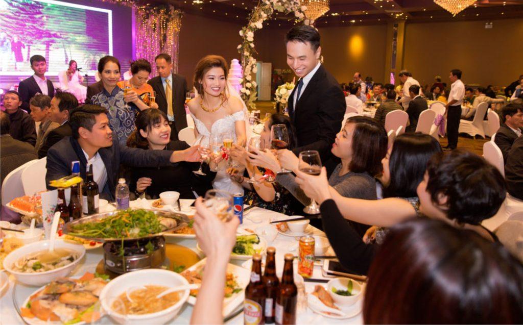 mời người yêu cũ dự đám cưới của bạn