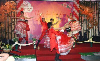 múa khai mạc đám cưới