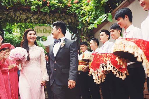 Trao nhận mâm quả trong lễ cưới