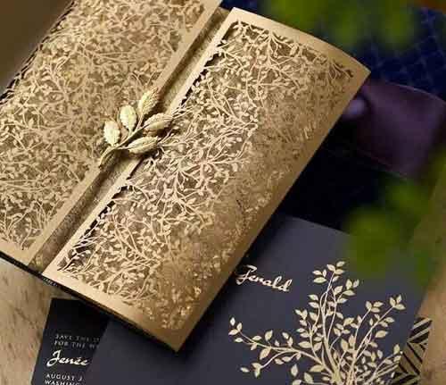 Thiệp cưới làm từ giấy mỹ thuật