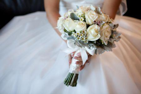 Hoa cầm tay cô dâu rất có giá trị kỷ niệm