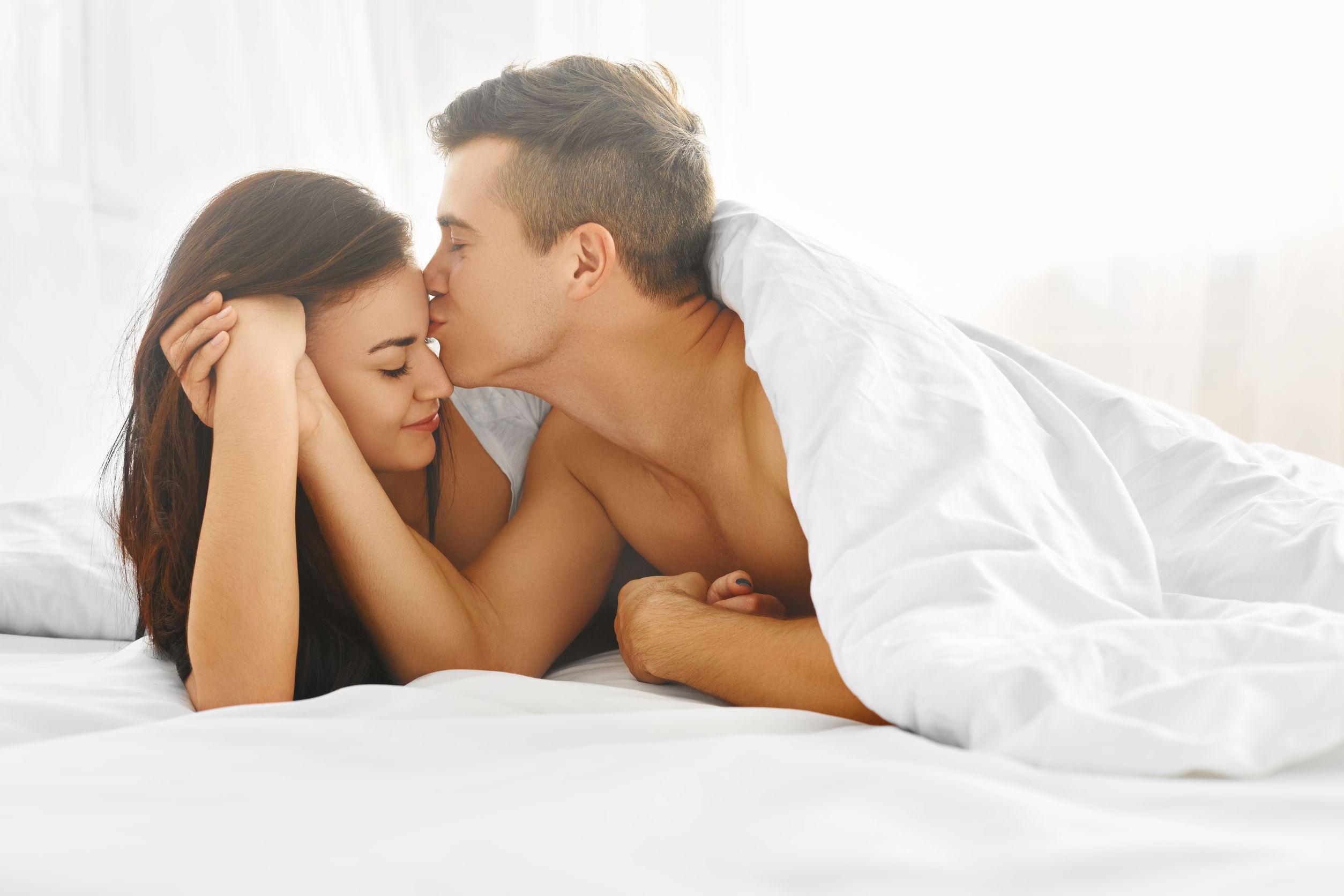 Chăn gối đủ liều cũng là vấn đề của cặp vợ chồng mới cưới