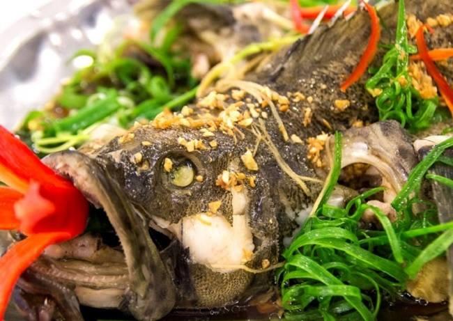 Cá bống mú hấp Hong Kong