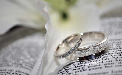 nhẫn đính hôn