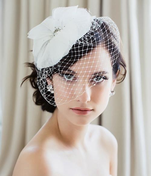 Lúp đội đầu cô dâu kiểu tổ chim