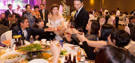 chào bàn tiệc cưới